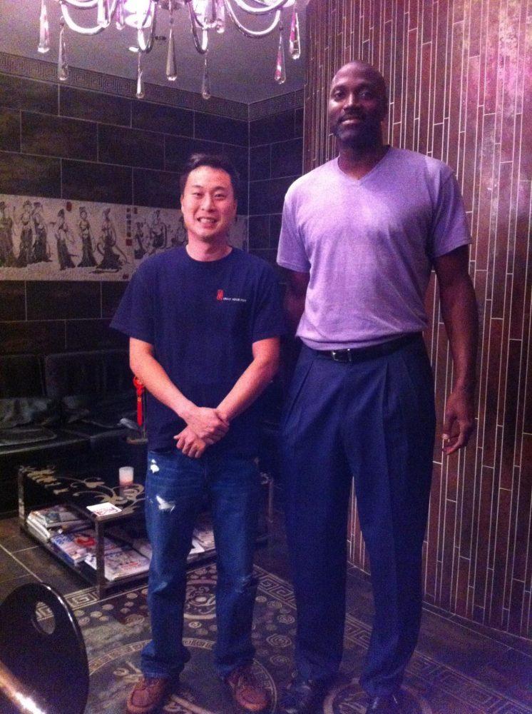 Former NBA Star, Dale Davis, at Treat Your Feet Doraville