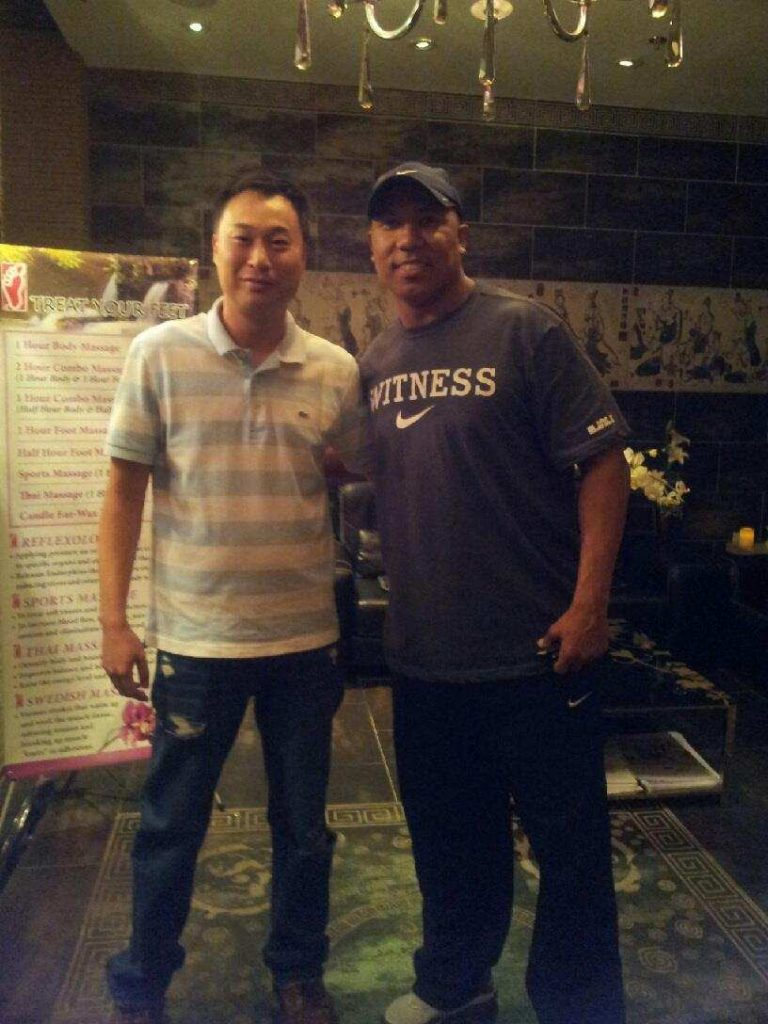 Former NFL Star, Hines Ward, at Treat Your Feet Doraville